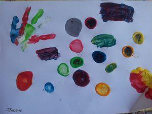 Jouer et découvrir# 16 - L'univers coloré d'Hervé TULLET. Albums, livre d'activités et jeu.