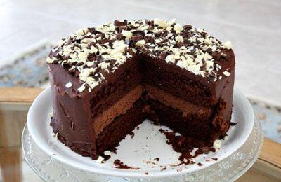 Đơn giản với cách phủ socola lên bánh kem siêu đẹp