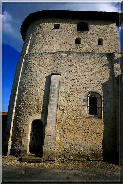 Diaporama église fortifiée de Saint-Paul-Lizonne