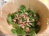 Salade d'épinards frais, pommes, fromage de chèvre & noix