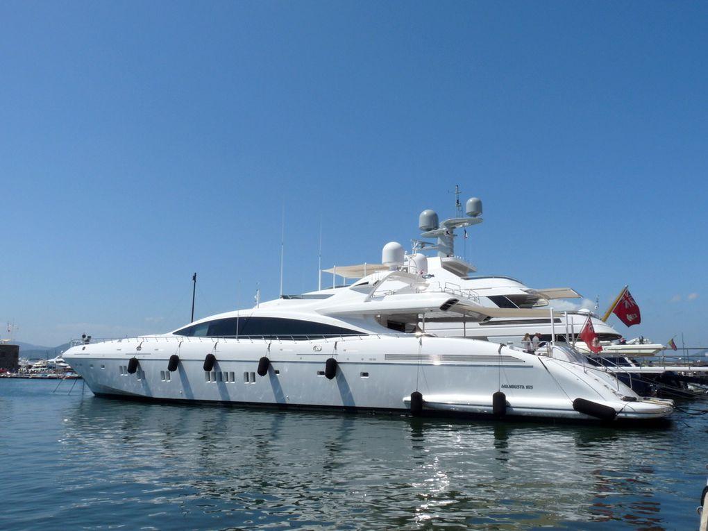 DA VINCI , à quai dans le port de Saint Tropez le 29 juillet 2017