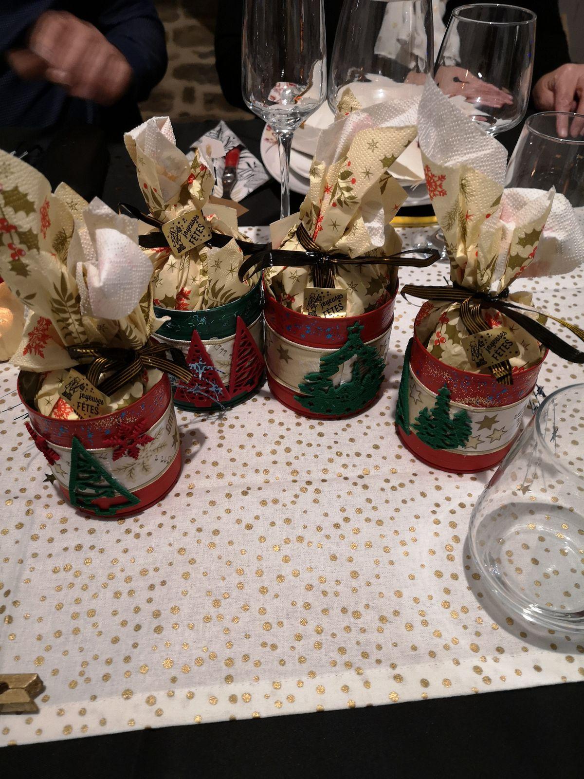 Pour Noël cette fois-ci, ce sont les boîtes de conserve que j'ai customisé