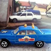 216-B PLYMOUTH FURY POLICE MAJORETTE 1/70. - car-collector.net
