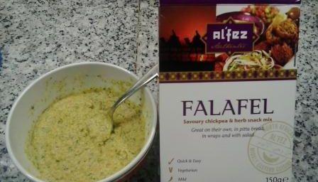 Falafel con insalata mista allo yogurt magro