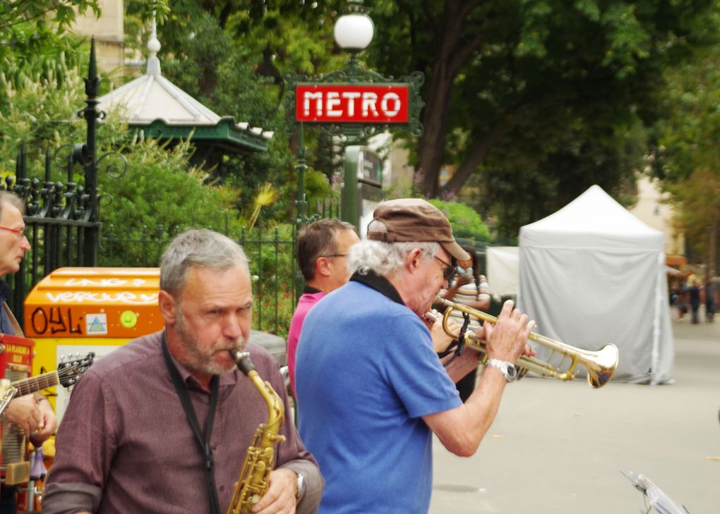 Le boulevard Saint-Germain toujours animé