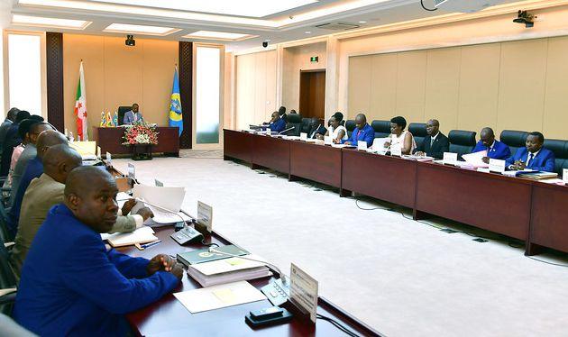 Le nouveau Bureau présidentiel de Gasenyi abrite son premier conseil des Ministres