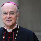 """Lettre de l'archevêque Carlo Maria Viganò au président Trump : """" les forces du Mal sont contre vous """""""