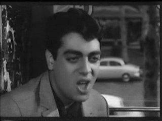 """Enrico Macias dans le film """"Des cliques et des claques"""""""