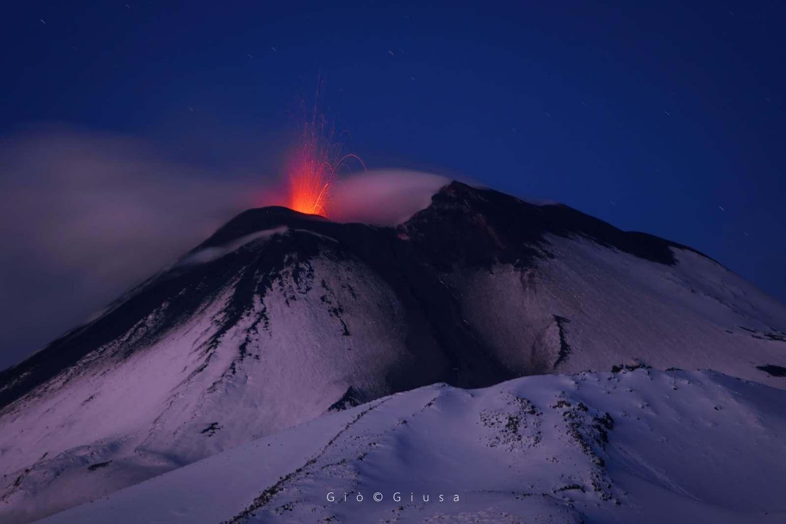 Etna - on December 23, 2020 at dawn - photo Gio Giusa