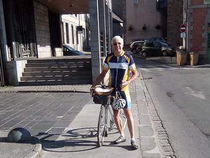 Pratiquants et usagers du vélo à Saint-Brieuc, en présence de Dominique Lamouller, Président de la FFCT entre 2001 et 2016 et Jean-Charles Harzo, président du Codep 22. Photos de J.C. Harzo.