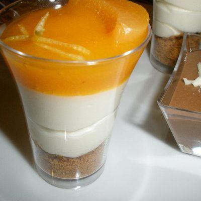 Verrines au citron et miroir d'abricot.