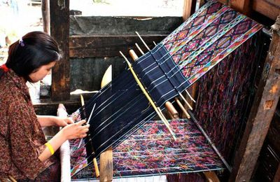 Bhutan Textile Tours- The Perfect Way to Look Deep and Reflect Uponart, Culture and Livelihood Of Bhutan