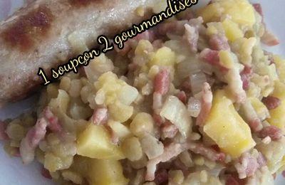 Pois Cassés aux Lardons, Pommes de terre et Saucisses