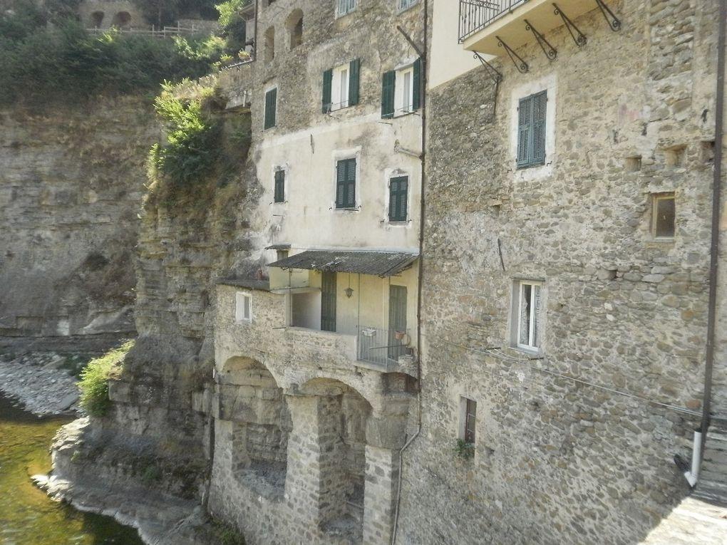 Le 16 juin Sortie de printemps du CCAS d'AURIBEAU  - Village de DOLCEACQUA (Italie) très belle journée. visite du village terminée par un bon repas.
