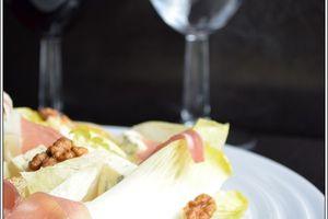 Salade d'endives à la fourme d'ambert, poire et jambon d'Aoste