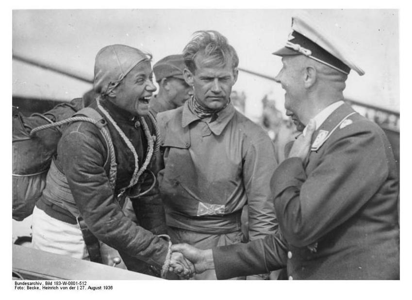 Nazi-Starpilotin Hanna Reitsch : Für Hitler flog sie durch die Hölle
