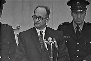 Kriegsverbrechen : Eichmann - Der Endlöser (siehe Titelbild)