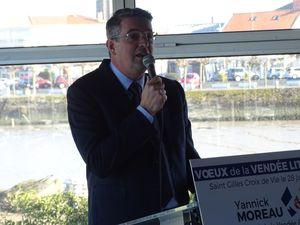 Une assistance nombreuse acquise à l'analyse et aux options du député Yannick MOREAU