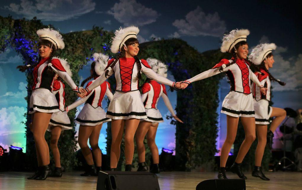 Die Ehre, als Gastgesellschaft bei der ersten Fastnachtsgala der TSGV dabei zu sein, hatten dieses Mal die Karnevalsfreunde der Kister Holzböck, deren Garde mit einem schmissigen Gardetanz gefiel.