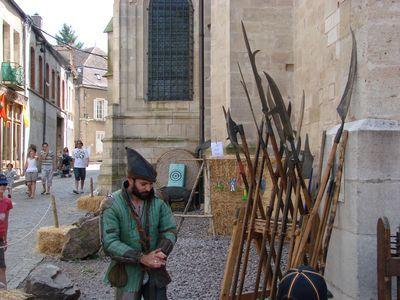 La fête du Roi chaussé à Semur en Auxois