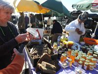 Olhao, un rendez-vous incontournable : son marché de plein air un samedi d'été au bord du port, une ambiance chaleureuse au bord de la mer