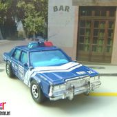 FORD POLICE BLUE DIAL 911 UNIT 22 MATCHBOX 1/69 - car-collector.net