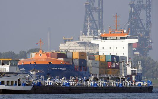 Quand on pense transport, GES et pollutions on cite généralement voitures, poids-lourds et avions, c'est oublier les voies maritimes et les mastodontes des mers.