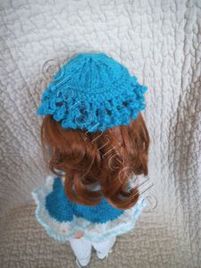 tuto gratuit paola reina: petite culotte à dentelle, petit chapeau à frisottis et guêtres