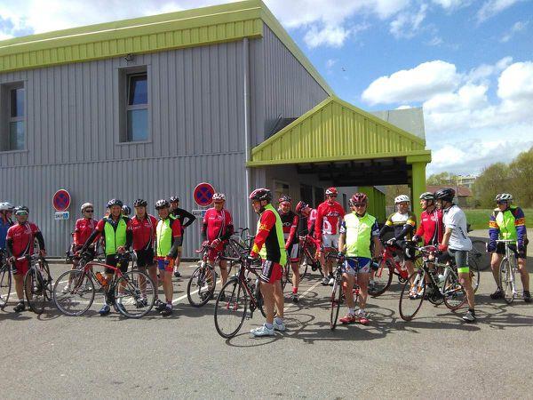 Au programme, 85 km pour 20 cyclos direction la Meuse: Gondrecourt le Chateau, Tourailles sous Bois et col de la Main Noire...