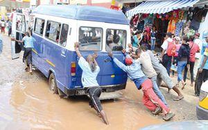 Etat lamentable des routes de Tanà – Menace de grève des transporteurs urbains !