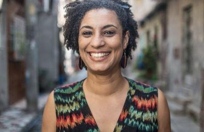 Le Brésil proteste contre l'exécution de la militante des droits de l'homme Marielle Franco (TeleSur)