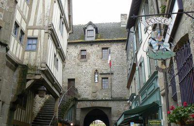 Fortifications et vues du Mont Saint Michel