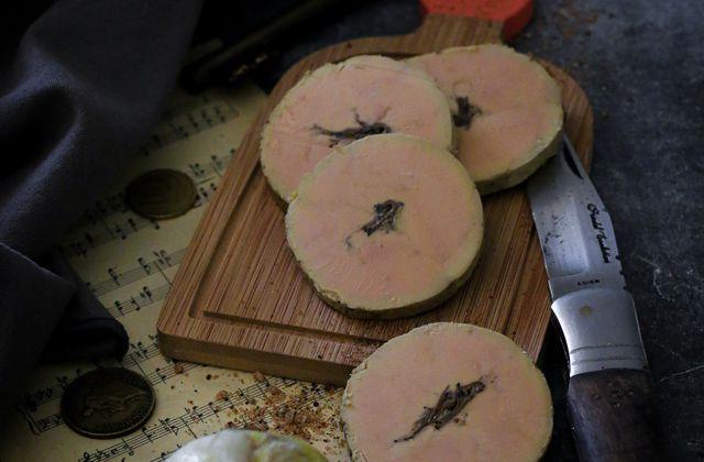 Foie gras au torchon à la fleur de sel & truffe