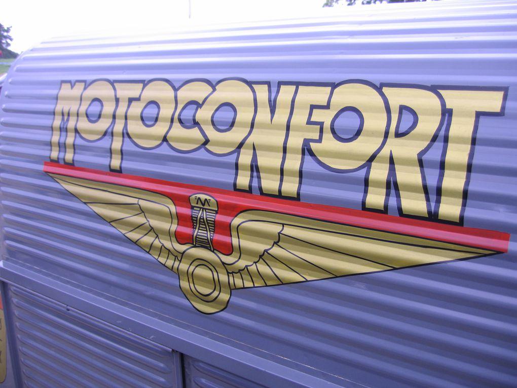 La Locomotion en Fête Cerny 2014 Exposition  Autos, motos, camions, engins militaires, agricoles, vieux diesel et vapeur 1914/1944 La Ferté Alais