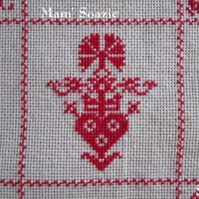 SAL : Plaid Broderie Rouge... Grille 74 / G7