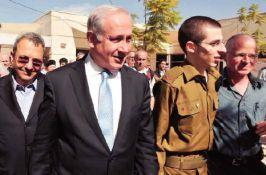 """""""Nous voulons un autre Shalit"""", hurlait la foule palestinienne, Deborah Fait"""