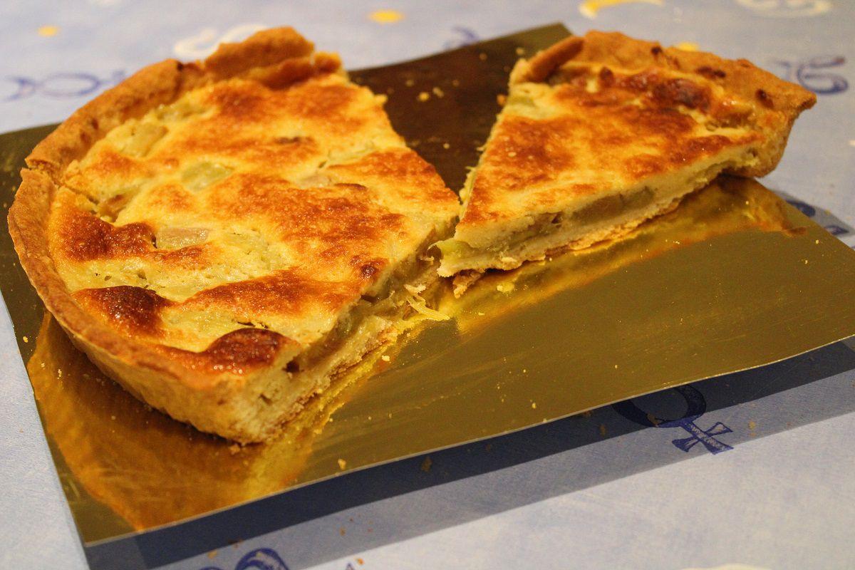 "La tarte à la rhubarbe de ""Mamie Caillou"""