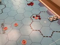 Et comme il ne faut pas laisser refroidir un plat, une seconde attaque est envoyée sur la First Fleet japonaise. Le Porte avion léger Hosho est touché par 3 bombes et coule à pique...