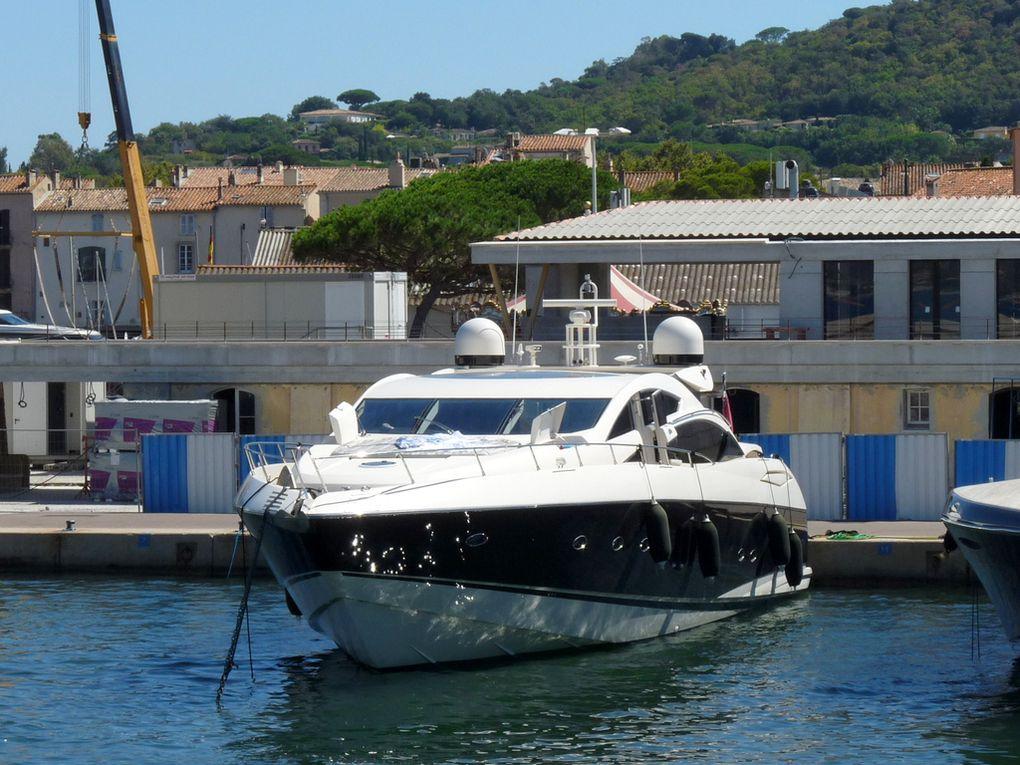 VAVA VROOM , à quai dans le port de Saint Tropez le 25 aout 2016