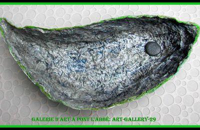 GALERIE D'ART à PONT L'ABBE: ART-GALLERY-29 Vide poches poisson en papier mâché boites d'oeufs recyclés