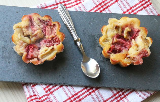 Clafoutis Fraises - Rhubarbe (recette Tupperware)