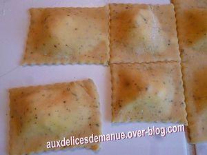 raviolis au Comté et chèvre crème champignons de Paris-Parmesan