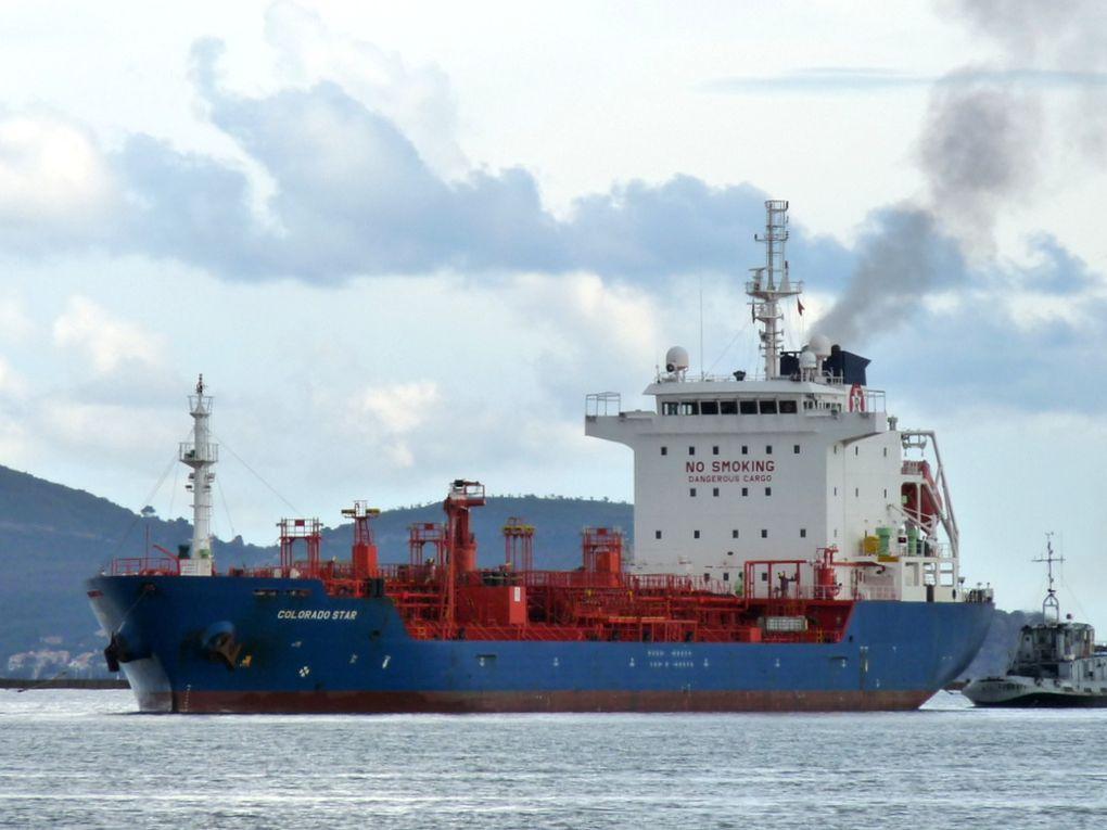 COLORADO  STAR , arrivant à Toulon et allant  prendre poste dans la base navale le 25 novembre 2016