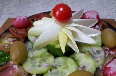 décoration en étoile avec un poireau - Toc-cuisine Vidéos