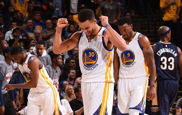 Stephen Curry signe un nouveau record NBA en inscrivant 13 paniers à 3-points dans le même match