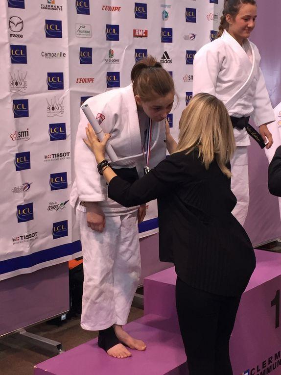 Emma, vice championne de France des cadettes moins de 52 kg.