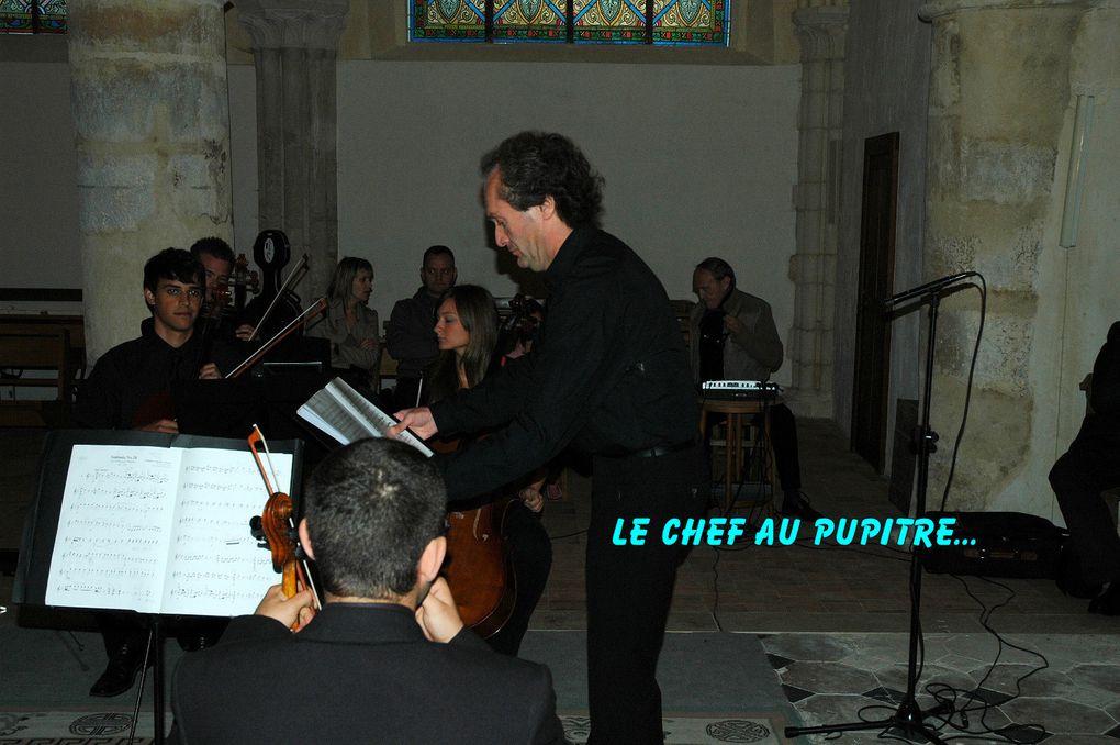 """Concert Orchestre de Chambre de JEREZ """"Alvarez Beigbeder"""" sous la direction d'Archil POCHKHUA. Solistes : Salvator MOLINA, Carmen MORENO et Nikolaï MANAGADZE."""