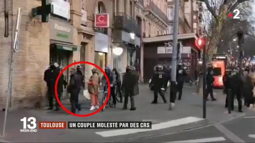 Gilets jaunes :  Les images d'un couple âgé molesté sans raison apparente par des CRS à Toulouse