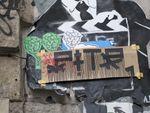 Street-art: Arthuro et Oliv, papiers collés sur les murs de Paris
