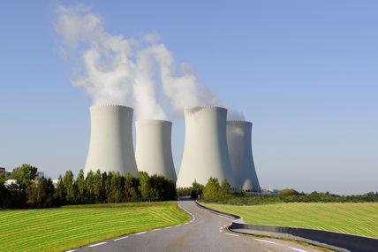 L'État s'acharne à faire taire les écologistes anti-nucléaire par tous les moyens, mensonges, secrets et répressions.